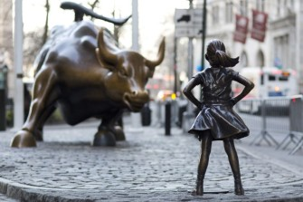 statue-fearless-girl